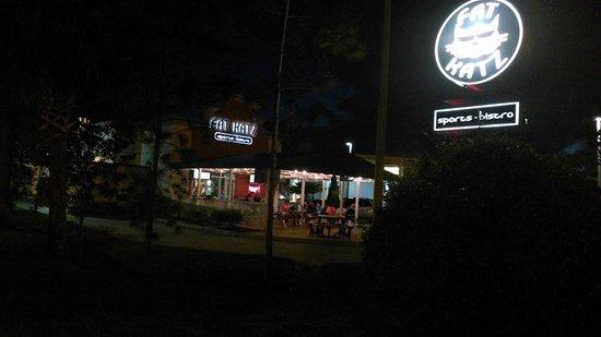 Days Inn & Suites Fort Myers near JetBlue Park: Fat Katz Sports Bar