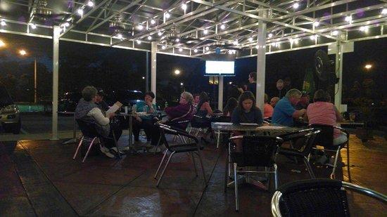 Days Inn & Suites Fort Myers near JetBlue Park : Fat Katz Sports Bar 2