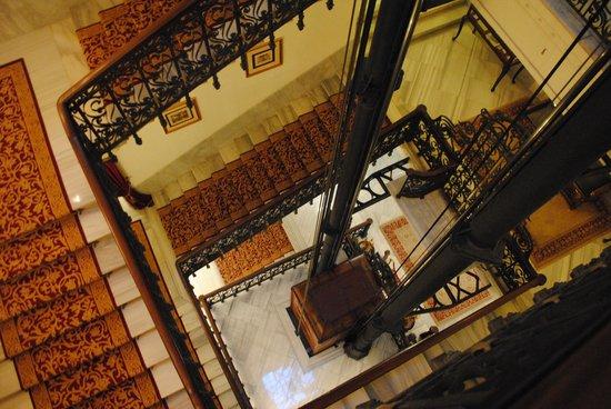 Pera Palace Hotel, Jumeirah: エレベーター