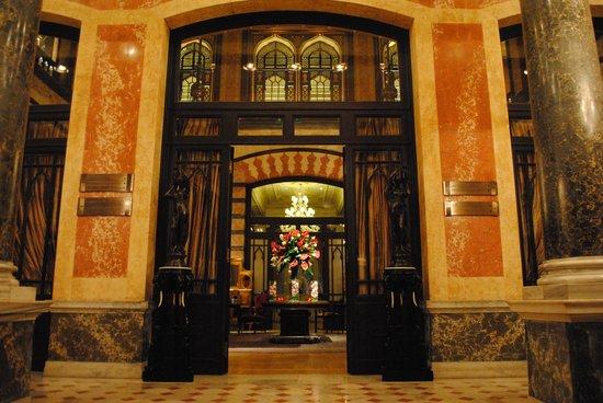 Pera Palace Hotel, Jumeirah: ロビー