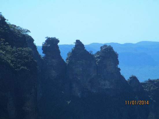 Blue Mountains Canyon and Wildlife Discovery Tour : The Three Sisters rock