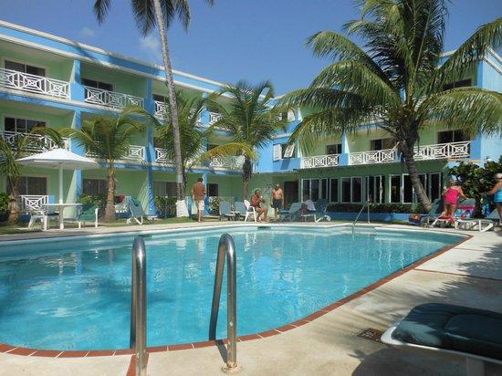 Dover Beach Hotel: Pool