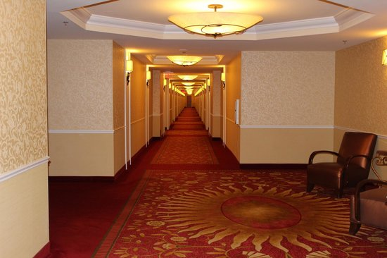 South Point Hotel, Casino and Spa: Hotel hallway