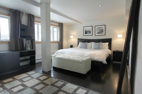 The Haus: Suite #10 - King Master Bedroom