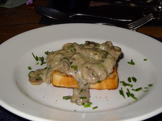 Kicheche Mara Camp : Mushrooms on Melba toast yum yum!