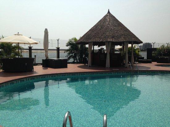 Hotel Bon Voyage: Pool