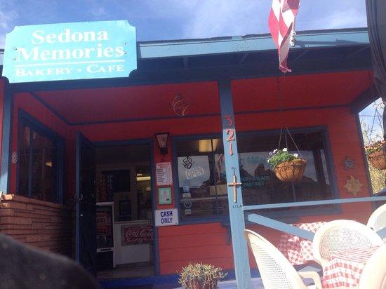Sedona Memories : Outside patio view