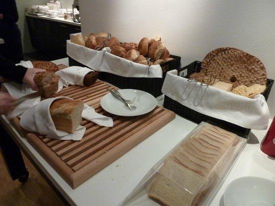 BEST WESTERN PLUS Time Hotel : Petit Déjeuner Buffet