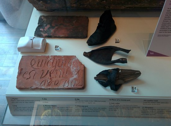 Herbert Art Gallery and Museum: Med shoes!