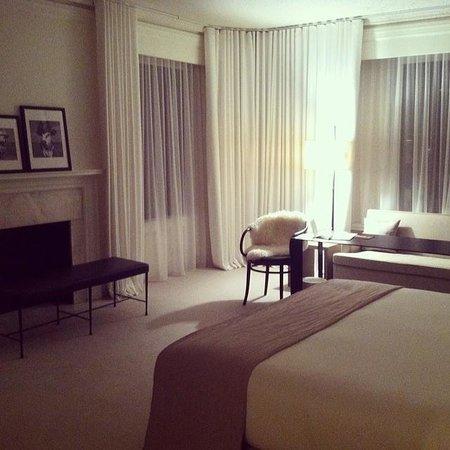 Ambassador Chicago: duplex corner room