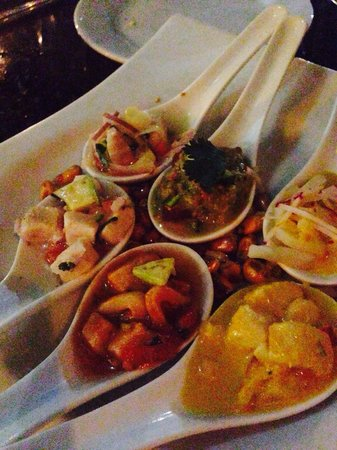 Jaguar Ceviche Spoon Bar and Latin Grill: Spoons fill with delicious ceviche!!