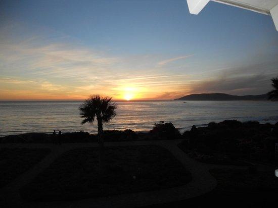Spyglass Inn: Sunset from balcony