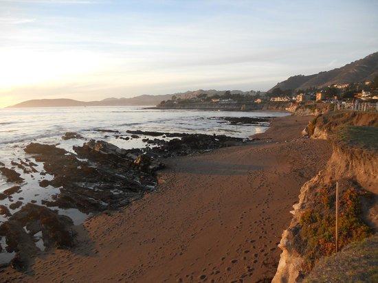 Spyglass Inn: Beach Area for walking