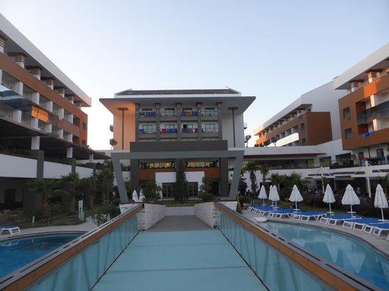Terrace Elite Resort : Haupthaus des Hotels