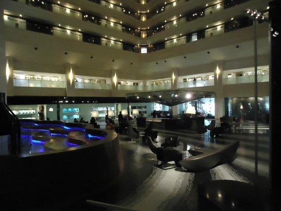 Le Meridien New Delhi: Lobby/Coffee Shop