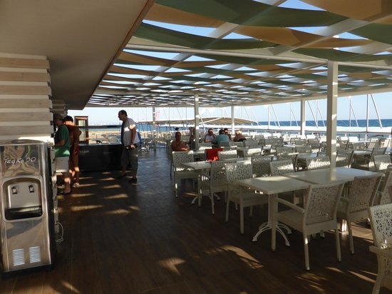 Terrace Elite Resort : Bar am Strand