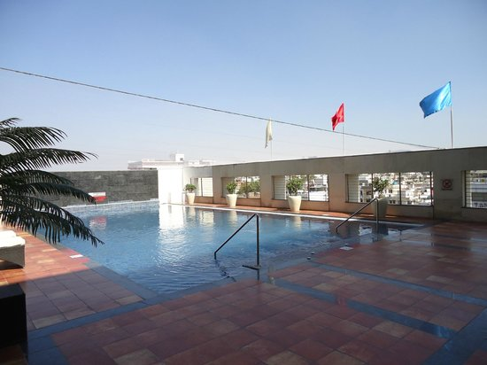 Four Points by Sheraton Jaipur, City Square : Lovely clean pool area