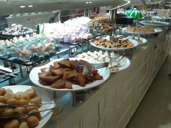 Terrace Elite Resort : Buffet