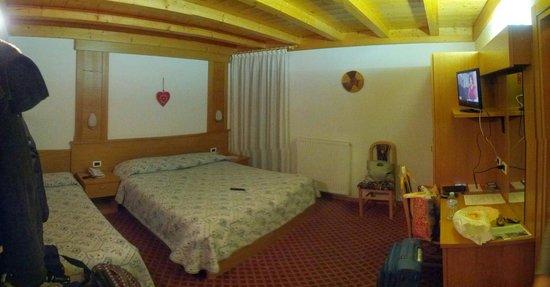 Hotel La Montanina: Stanza matrimoniale