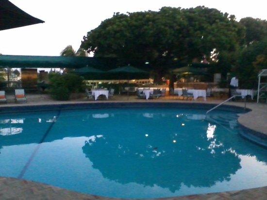 La Villa Creole: A walk inside the hotel open areas