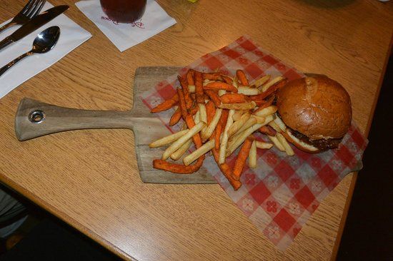 Trail's End Restaurant: Pulled Pork