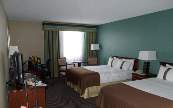 Holiday Inn Toronto Yorkdale : bedroom
