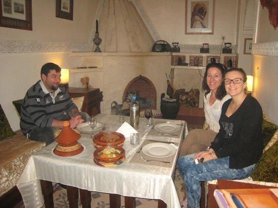 Riad Noos Noos: la belle Mareva et ses parents