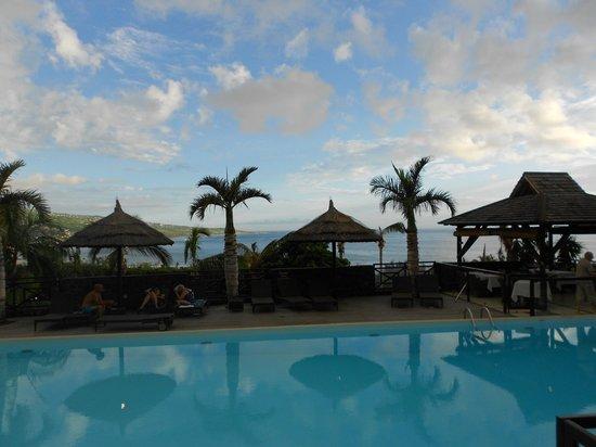 Iloha Seaview Hotel : vue sur le lagon piscine du bas