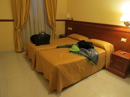 Hotel Virgilio: habitación