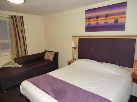 Premier Inn Darlington East (Morton Park) Hotel : Our room