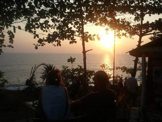 Coffee Temple : Blick aufs Meer beim Sundowner