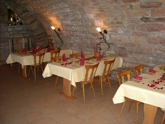 AKZENT Gasthof Krone: Historischer Gewölbekeller