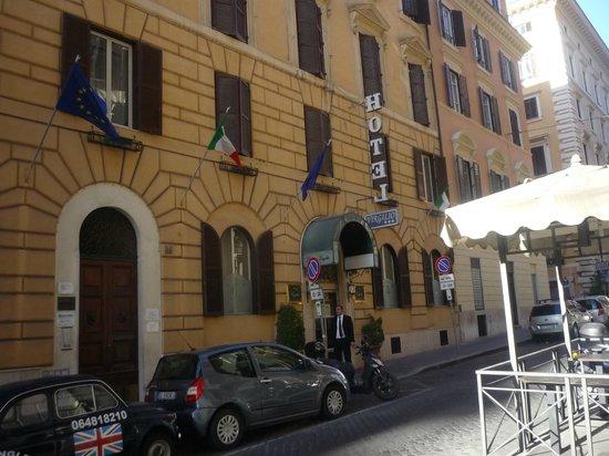 Hotel Virgilio: frentedel hotel