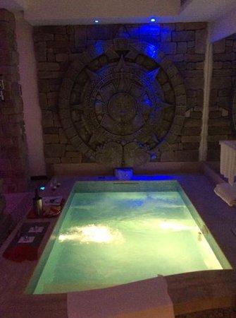 Casei Gerola, Italien: piscina della suite pietra del sol