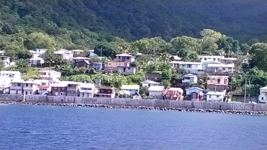 Titiwi Inn: View of Soufriere from the Diving Boat