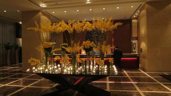 Grosvenor House Dubai: Reception area