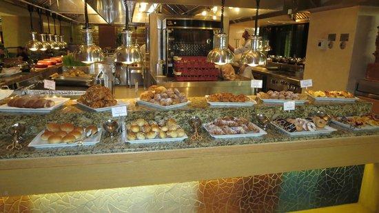 Grosvenor House Dubai: Breakfast buffet