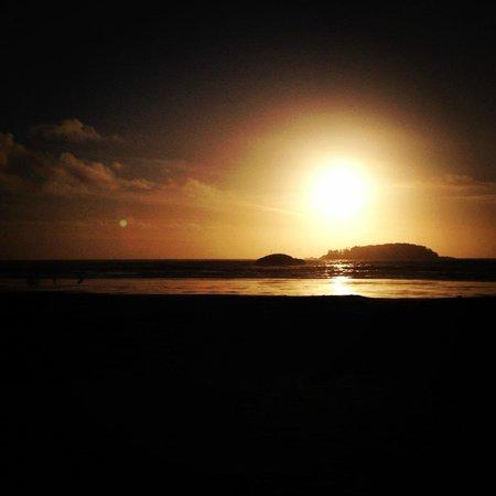 Jamie's Rainforest Inn: Chesterman Beach - Sunset