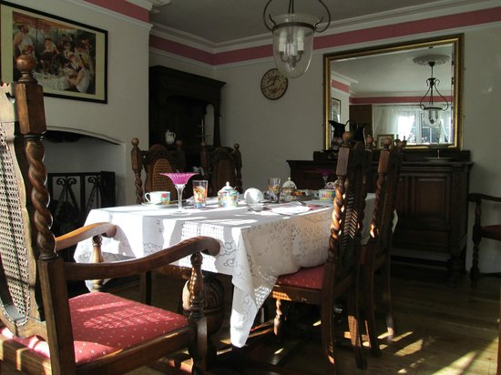 Fontmell Magna, UK: breakfast and dining room