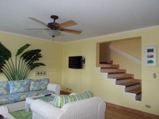 Bahia Pez Vela Resort: unit 1 living room