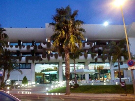 Hotel Deloix Aqua Center : vista desde la calle