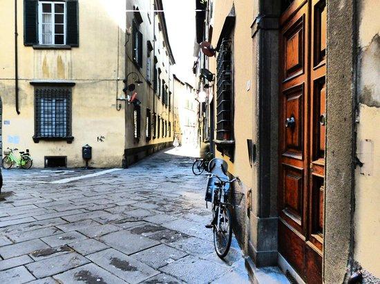 Lucca in Azzurro : Una calle de Lucca