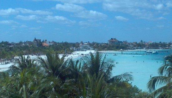 Fiesta Americana Villas Cancun: view from one side of hallway