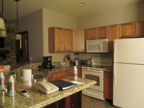 Wyndham Vacation Resorts Glacier Canyon: Kitchen area