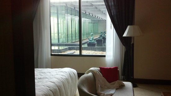 Novotel Bangkok Suvarnabhumi Airport: 2nd floor room looking at garden
