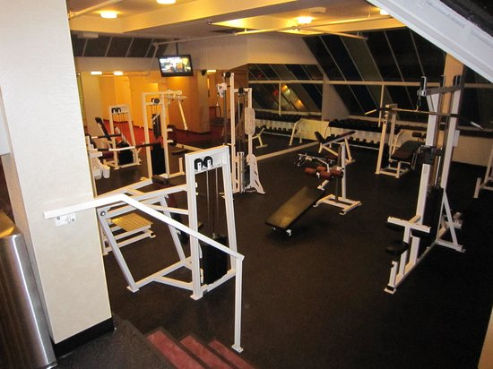 The Pinnacle Hotel Harbourfront: Fitness room