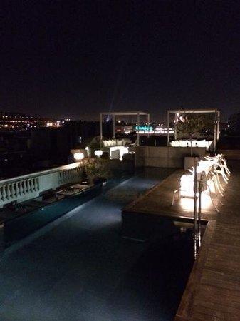 Hotel Ohla Barcelona: piscina