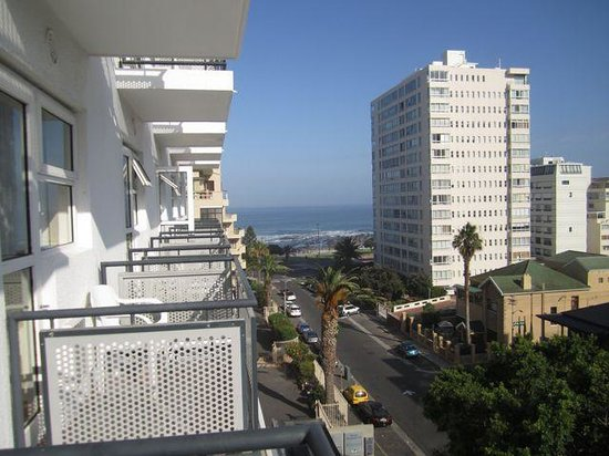 Protea Hotel by Marriott Cape Town Sea Point : view from the pool deck