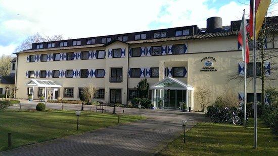 Parkhotel Schloss Hohenfeld: Vooraanzicht hotel