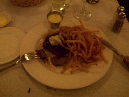 Balthazar: steak with bearnaise sauce